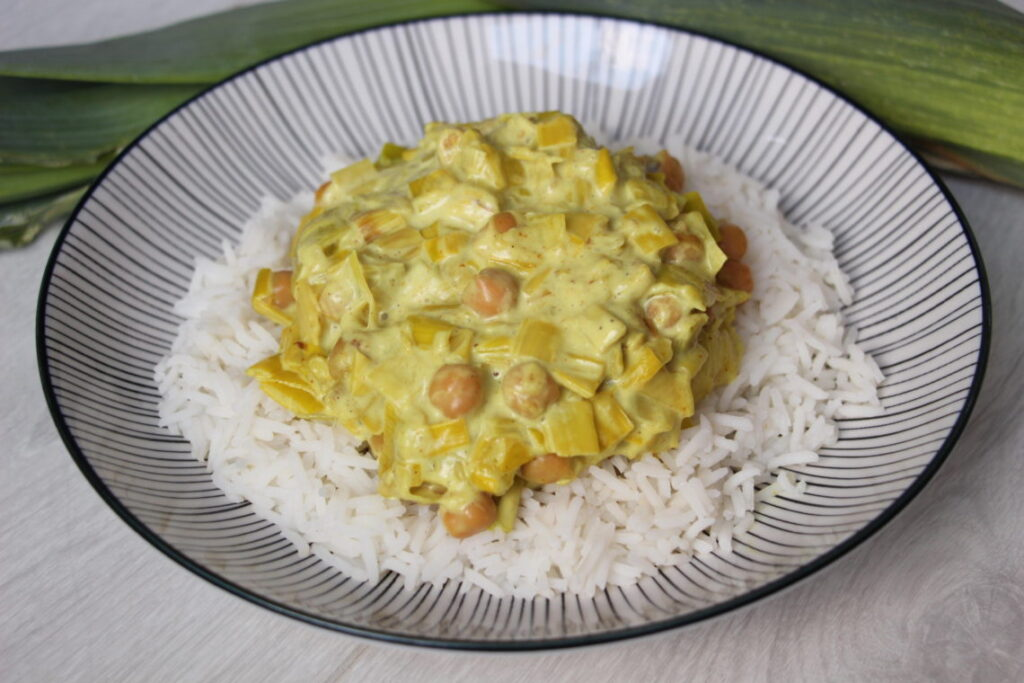 Curry de poireaux et pois chiches